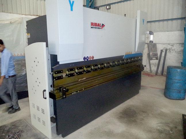 NC  100 T / 3200 mm
