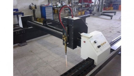 plasma-cutting-machine